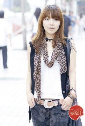 街拍18位北京街头美女靓发-街拍18位北京街头美女v美女图片