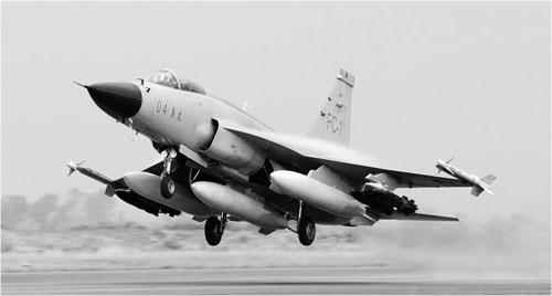 型战斗机的空战