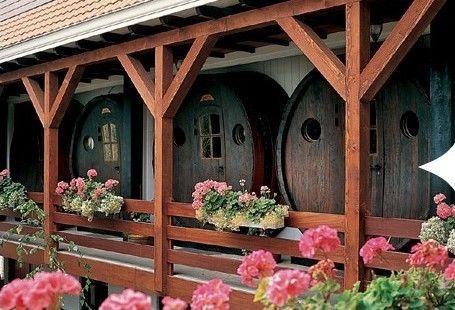 用回收的特大号橡木酒桶做成的旅馆房间