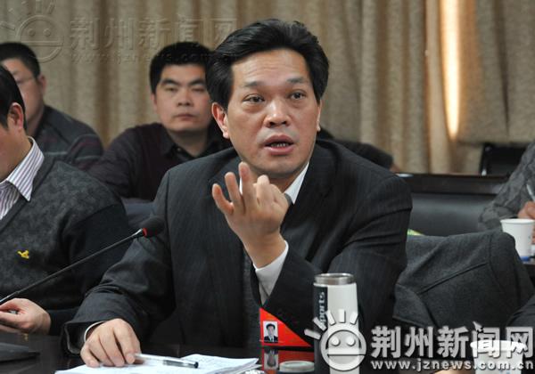 强建设谋发展 李建明参加松滋,石首代表团分组讨论