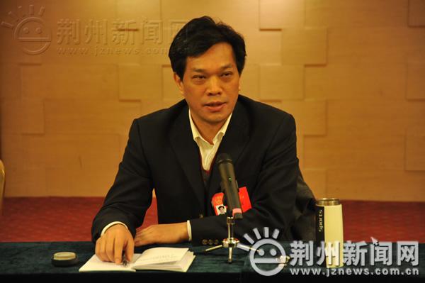 听取了陈爱平、丁辉、徐峰、万齐斌、彭继萍等五位市人大代表的发言