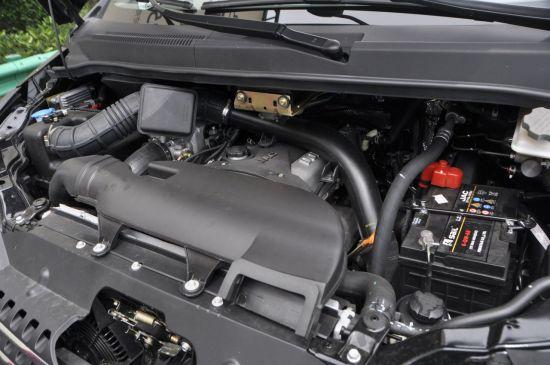 和畅沿用了瑞风稳定的底盘系统,其发动机为前纵置布置,车辆高清图片