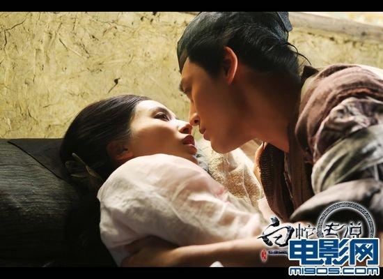 《白蛇传说》剧照 黄圣依,林峰上演古代版裸婚
