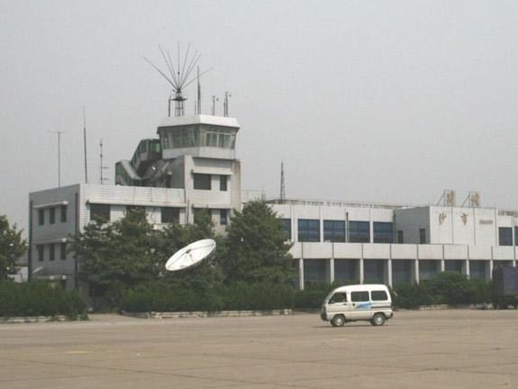 沙市机场的迁建选址是经过有关部门反复讨论审核后纳入荆州市城市总体