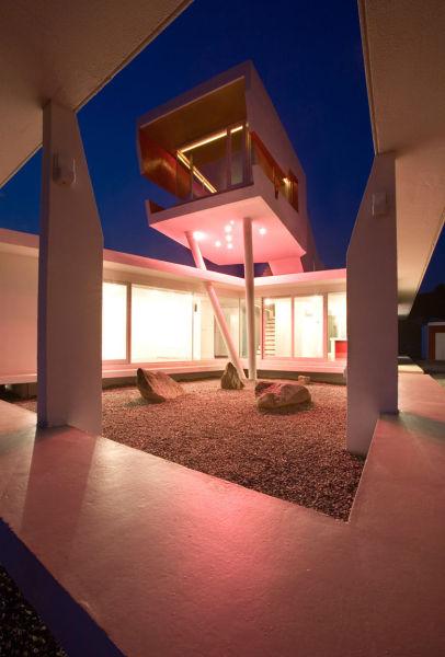 悬空的小屋子图片