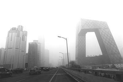范围雾霾天气持续起明显减弱