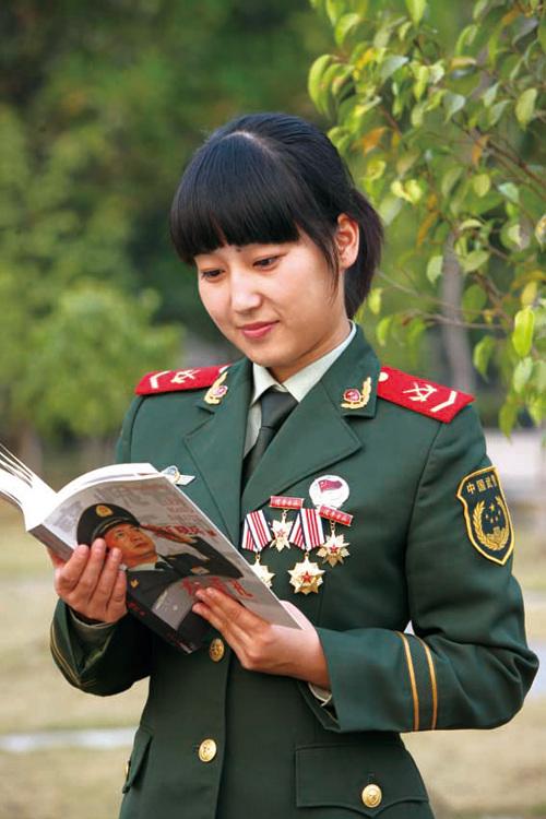 解放军最新魅力女兵出炉:基层气质美女多