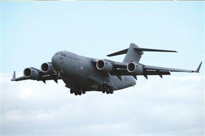 c-17美国最大起飞重量265吨最大载重78吨航程11600