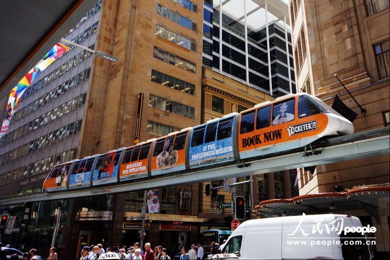 """行走在悉尼上空的""""小火车"""""""