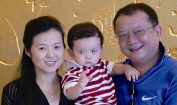 王刚的老婆图片 王刚讲故事周末版周末王刚讲故事