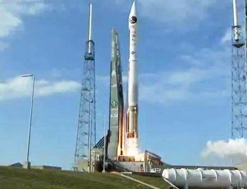 美用无人火箭将一颗导弹预警卫星发射升空