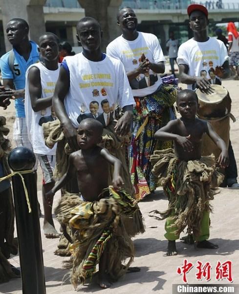 习近平抵达刚果共和国
