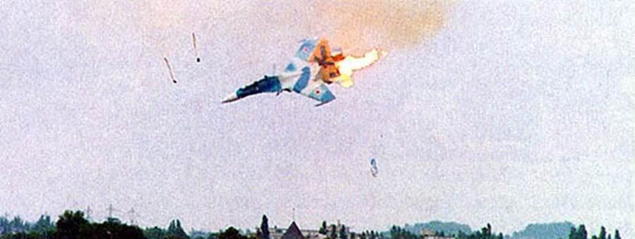 沈阳飞机坠落烧毁致3人受伤 盘点著名的飞机坠毁瞬间