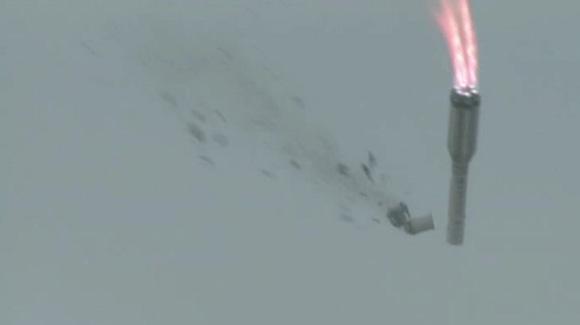 这次的事故可能跟助推器有关系,因为火箭爆炸时,助推器还没分离.