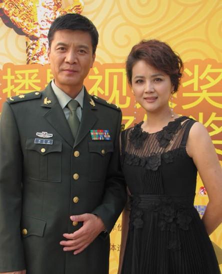 梅婷承认已怀孕待产老公身份揭秘 盘二婚后获