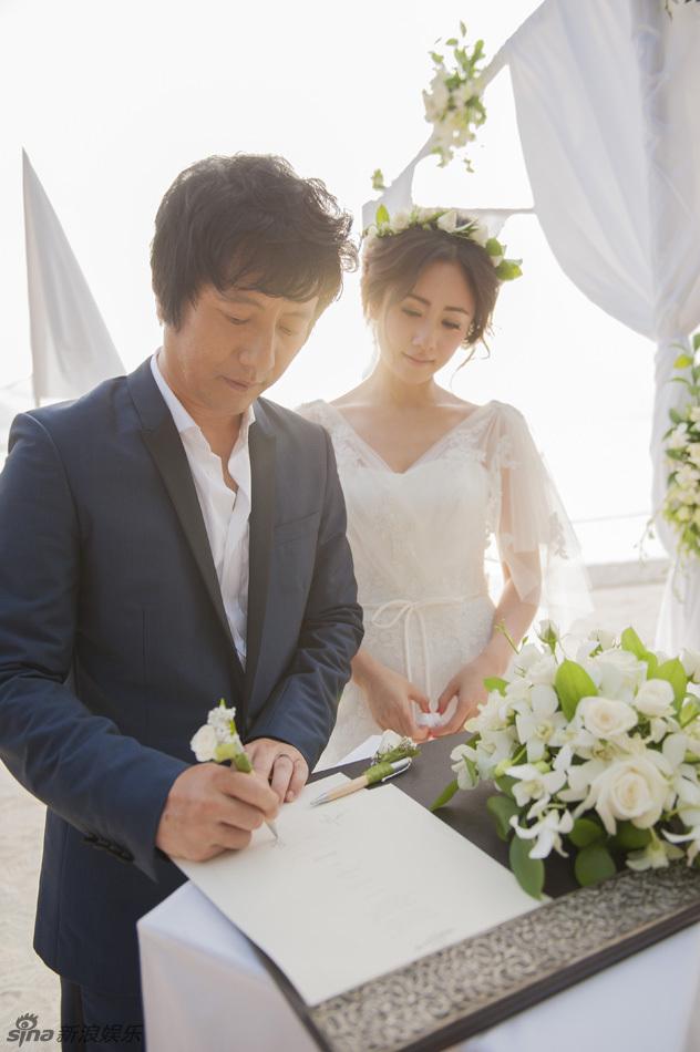以白色为主题的西式沙滩婚礼浪漫唯美