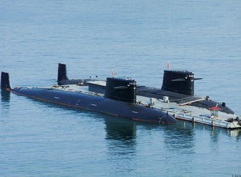 首艘装备锂电潜艇_中国首艘核潜艇
