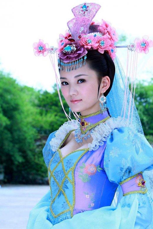 新娘妆装女子扮相_昨天黄晓明跟baby的婚礼古装新娘妆美爆了以