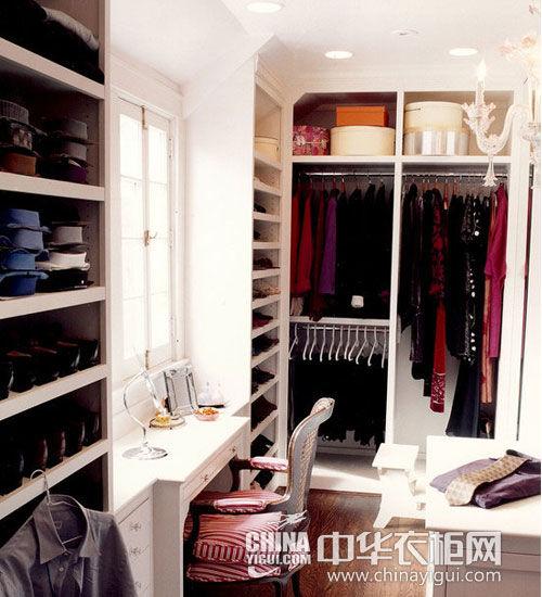 衣帽间的衣柜
