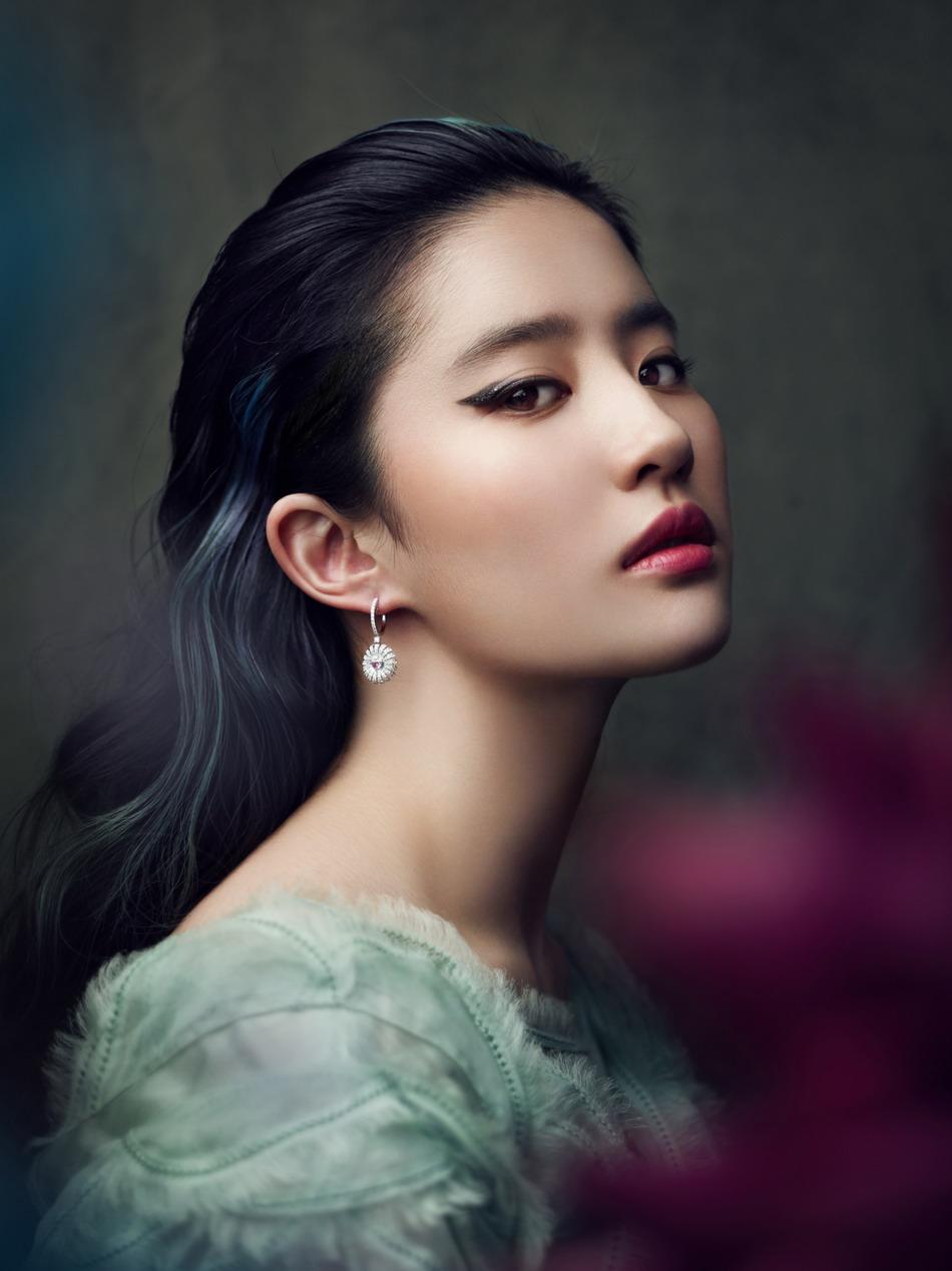 网评40大最美女明星 赫本刘亦菲韩彩英佟丽娅高圆圆