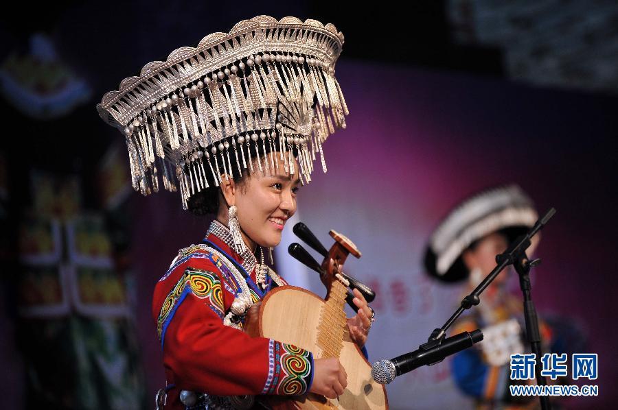 凉山彝族火把节举行彝族美女传统选美大赛 揭秘传承千年的彝族文化