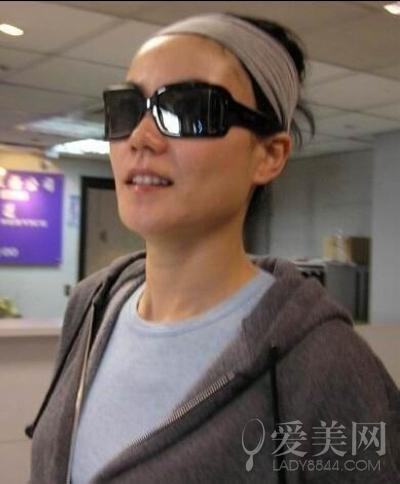 女星机场素颜秀真容 王菲憔悴金泰妍宋慧乔美美哒