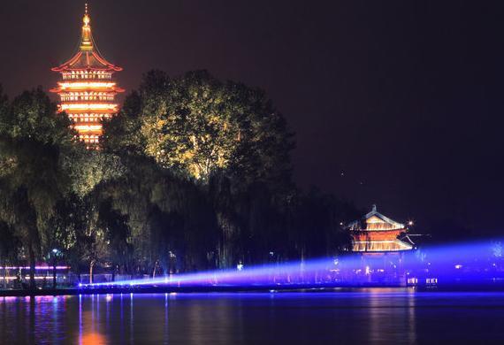杭州经济总量增长率_金砖经济增长率