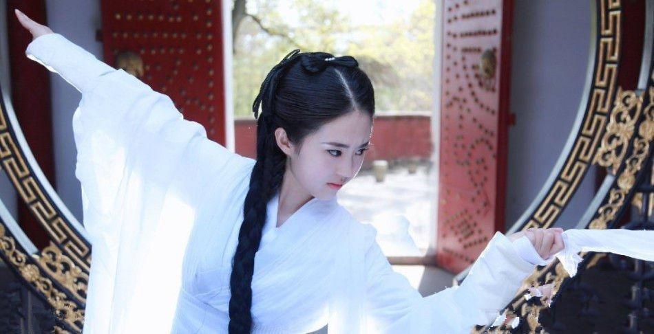 高清:武汉美女cos小龙女