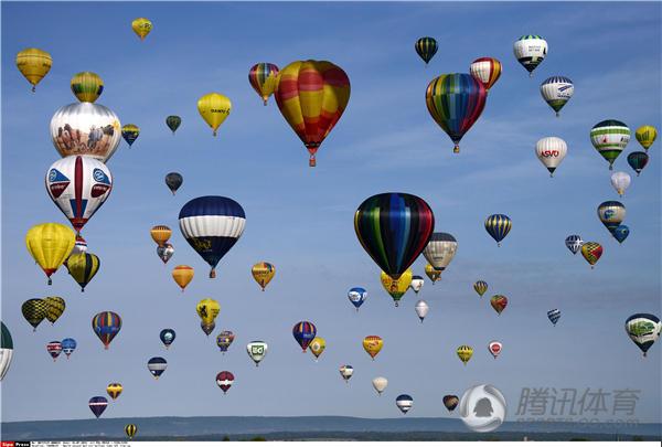组图:热气球节规模破世界纪录 造型萌翻天空
