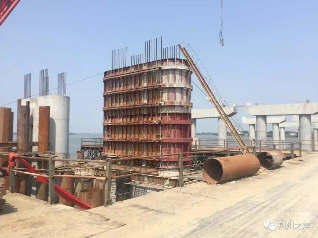 长湖特大桥已完成工程量的65% 明年4月份将单幅合拢