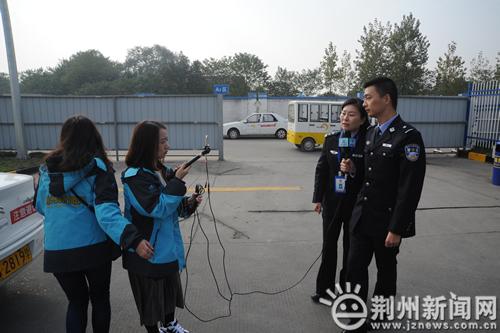 驾考新规真的难?荆州交警网络直播手把手教您如何用蒙版调色图片