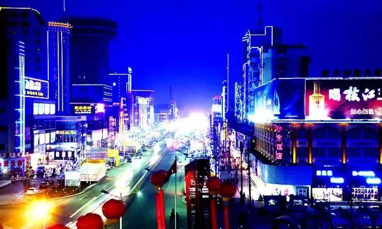纠错荆州,它更是多彩的△万达电影△北京路图片由荆州天堂211囚室广场图片