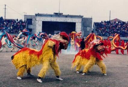 特约记者行:昔日街头的民俗文化活动