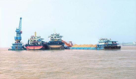 鄂湘水上转运中心码头强化安全生产 确保平安度汛