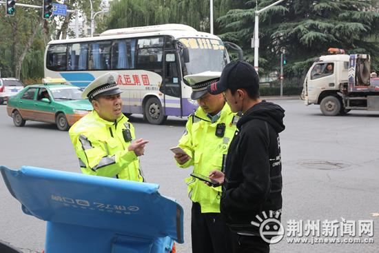 注意!10月12日起 荆州严查无牌无证摩托车电动车
