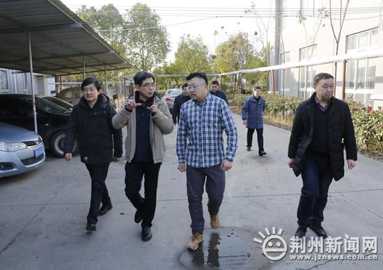 湖北省商务厅副厅长胡中海调研荆州商务工作