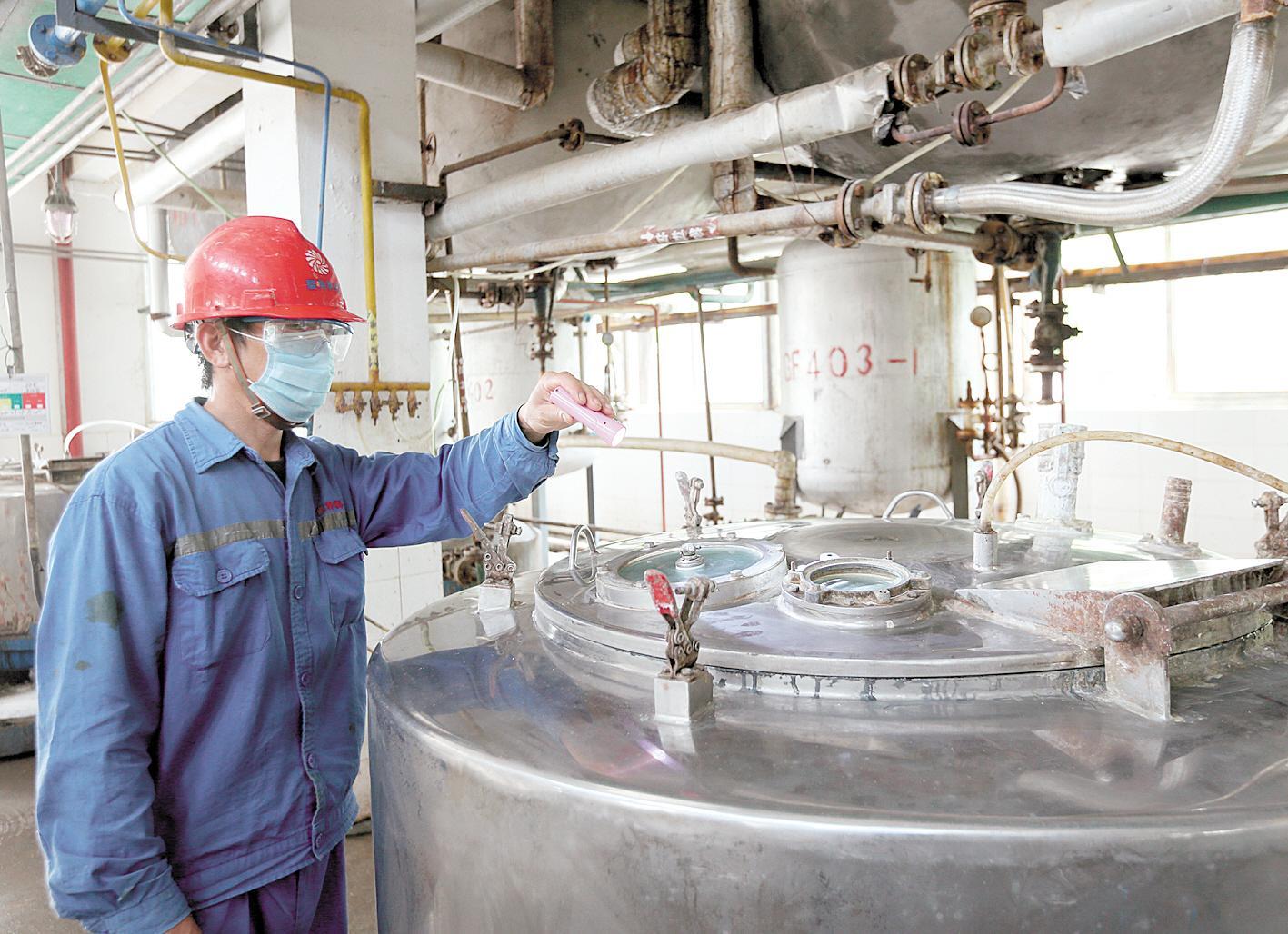 荆州医药化工企业危中寻机 防疫物资生产一片红火